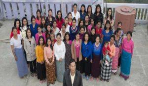 39 पत्नियों के साथ एक ही घर में रहता है शख्स, गिनीज बुक में दर्ज है नाम