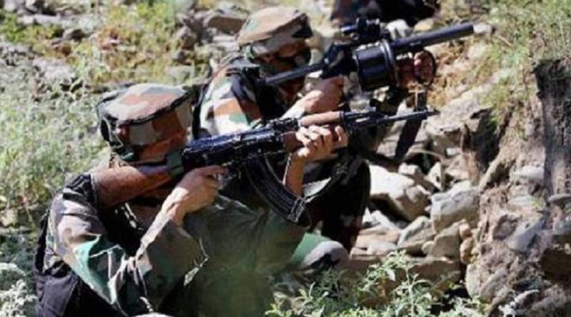जम्मू कश्मीर में आतंकी गतिविधियां लगातार तेज हो रही हैं. वहां चल रहे मुठभेड़ खत्म होने का नाम नहीं ले रहा है. इसी बीच खबर आई है कि जम्मू कश्मीर को शोपियां में आतंकियों ने जमला कर दिया है, और इस हमले में भारत के 4 पुलिस कर्मी शहीद हो गए हैं. बता दें ये हमला जम्मू कश्मीर को शोपियां जिले में किया है, हमला करने वाले आतंकियों के बारे में अबतक कुछ पता नहीं चला है, मामले की जानकारी होते ही पुलिस के आला अधिकारी मौके पर पहुंच गए हैं. आज सुबह अंनतनाग में पुलिस और आंतकियों के बीच मुठभेड़ हुई थी, जिसमें पुलिस ने 2 आतंकियों को मार गिराया था, पूरे इलाके में सर्च ऑपरेशन अब भी चालू है.