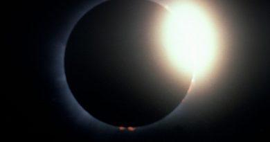 आज दिखेगा सदी सबसे खूबसूरत नजारा, ये होगा चन्द्र ग्रहण का समय