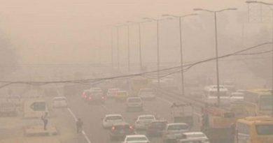 दिल्ली- NCR में ये कैसी आफत, हर तरफ बिछी है धूल की चादर