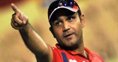 टीम इंडिया पर भड़के सहवाग, इस खिलाड़ी को बदलने की कही बात