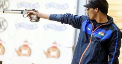 एशियन गेम्स में भारत का कमाल, 16 साल के सौरभ ने जीता गोल्ड